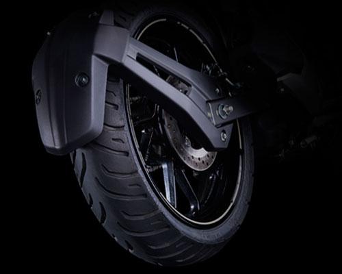 Yamaha FZS-FI Wide Tubeless Radial Tyres